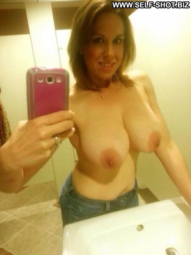 Denice Stolen Pictures Cute Selfie Amateur Girlfriend Beautiful Babe