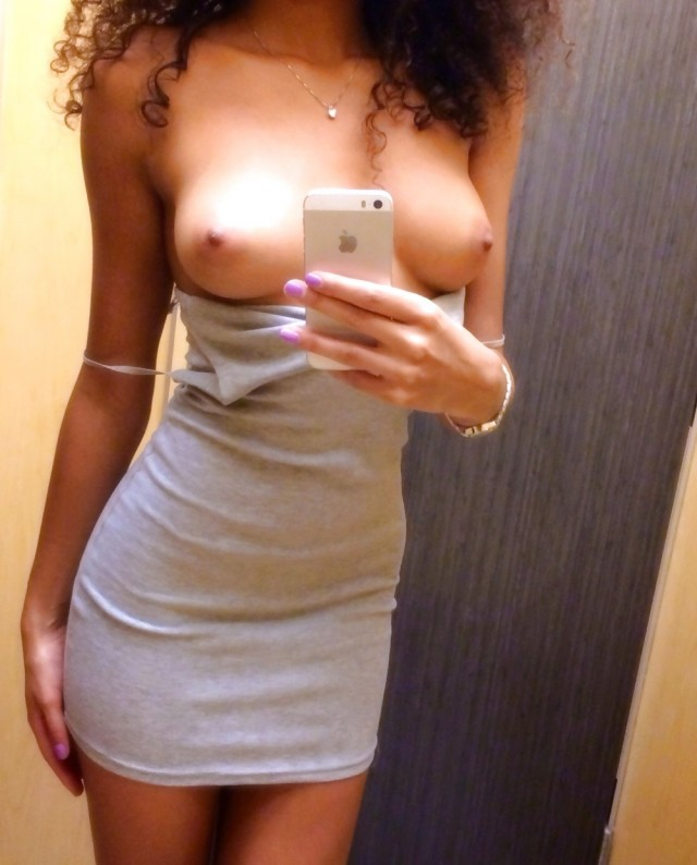 Lydia Private Pics Amateur Selfie Selfshot Tits Teen Change Room