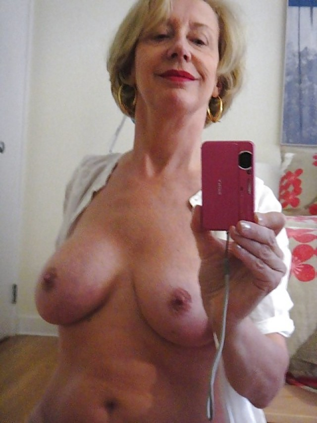 Amateur mature milf in lingerie craving for some cock 10