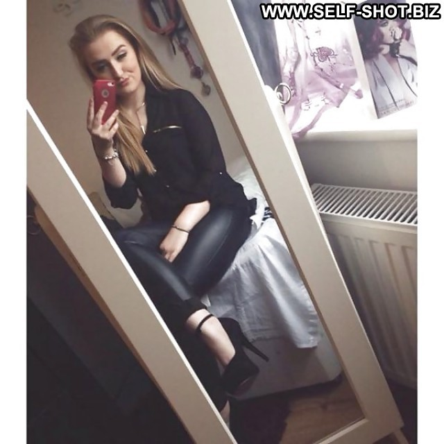 Daphine Private Pictures Selfie Voyeur Flashing Self Shot Hot Hidden
