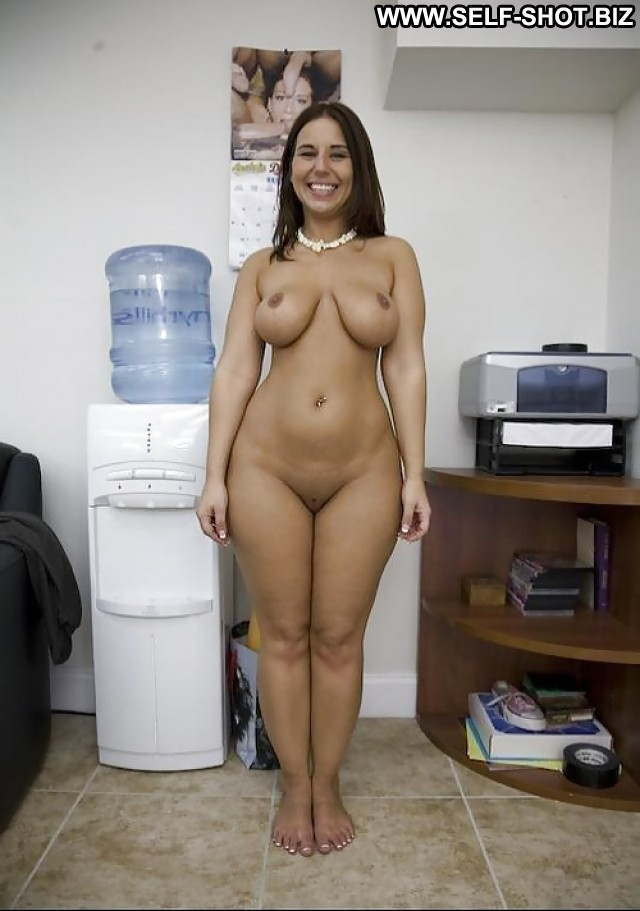 Hot babe with big hanging tits 5