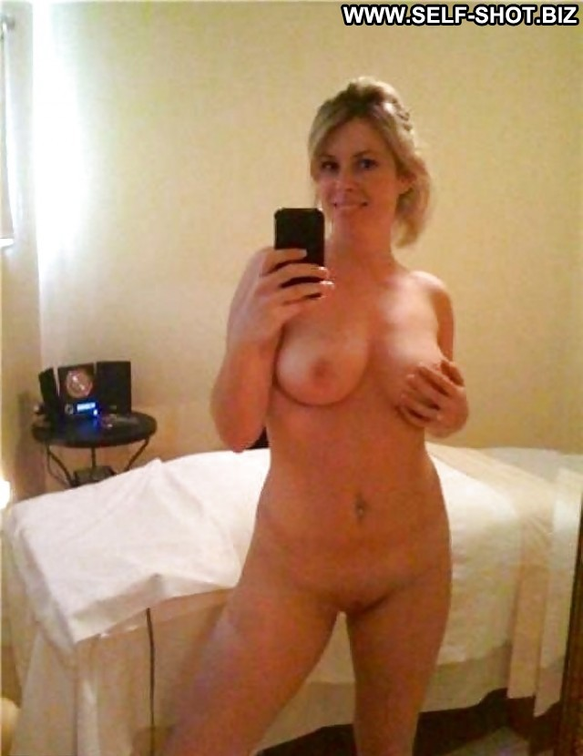 naked amatuer nerd women