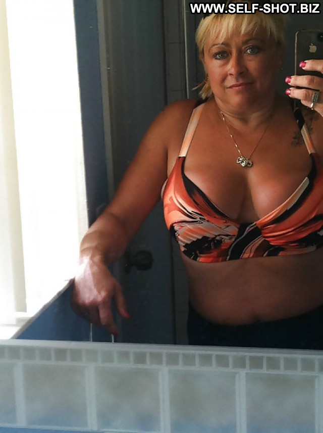 My ex real amateur milf posing naked