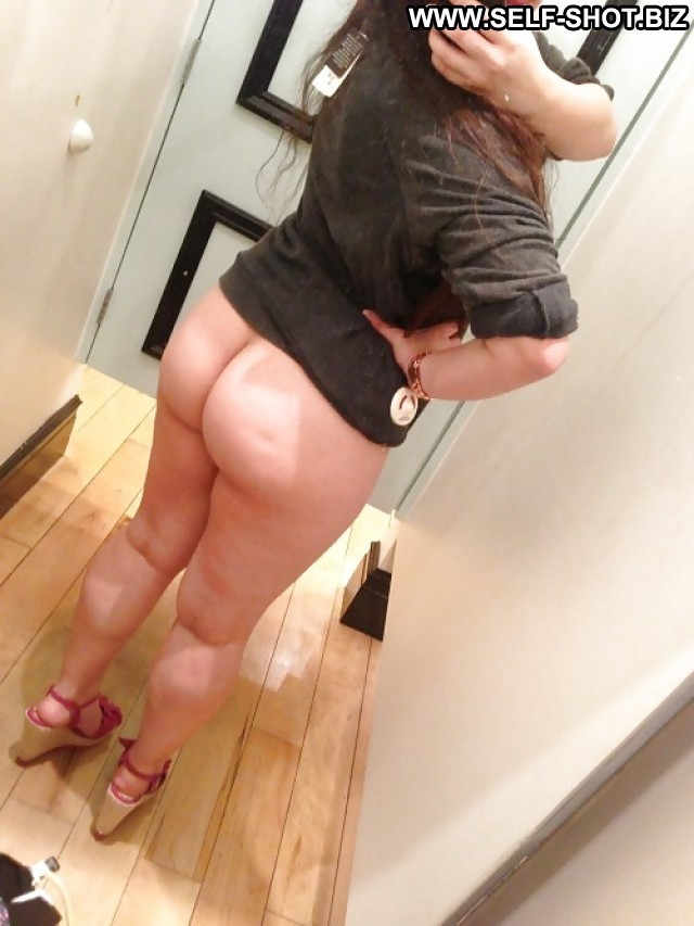 Clarita Private Pictures Changing Room Milf Amateur Selfie Self Shot