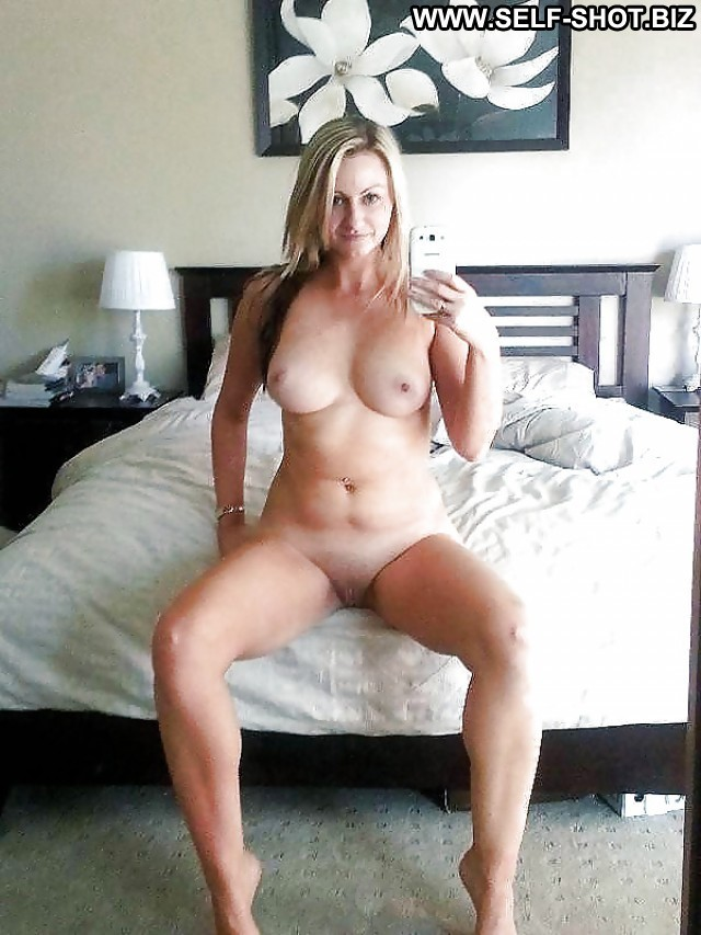 Kiki Private Pictures Tits Milf Iphone Self Shot Selfie Pussy