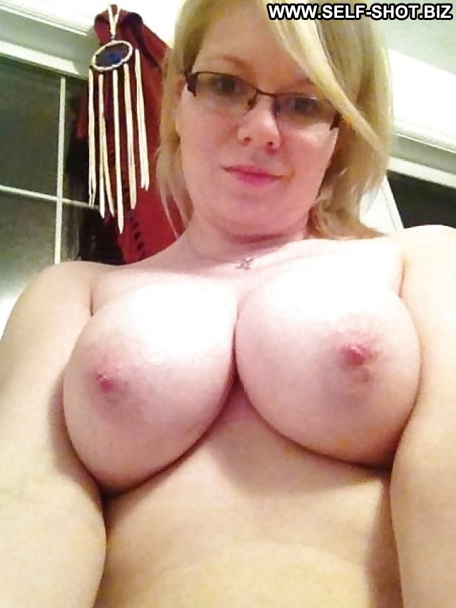 Antonia Private Pictures Hot Babe Big Boobs Self Shot Bbw Boobs