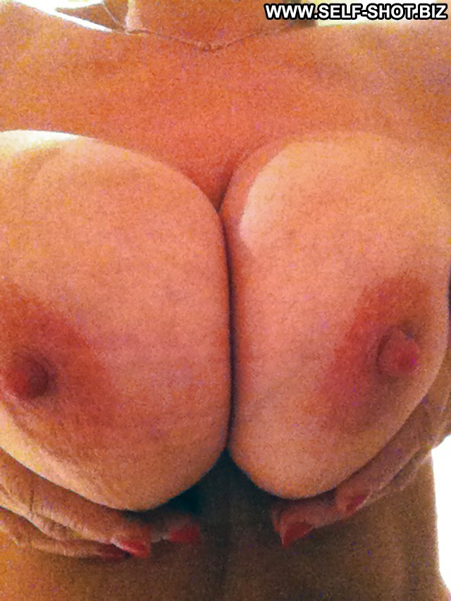 Jesusa Private Pictures Boobs Self Shot Amateur Big Boobs Milf Selfie