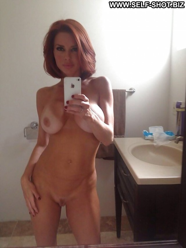 Elenore Private Pictures Hot Self Shot Amateur Selfie Babe Milf